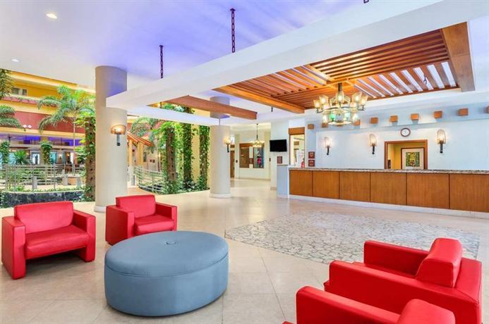 Photo 2 - Embassy Suites Dorado del Mar Beach & Golf Resort