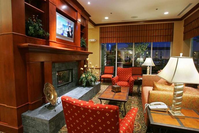 Photo 2 - Hilton Garden Inn Miami Airport West