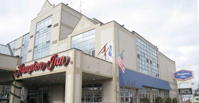 Photo 2 - Hampton Inn by Hilton Niagara Falls-North Of The Falls