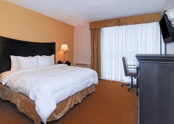 Photo 2 - Clarion Inn North Charleston