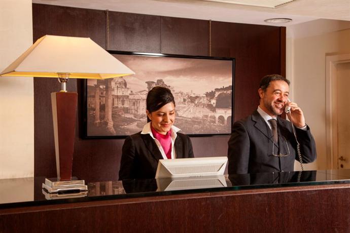 Photo 2 - Cosmopolita Hotel