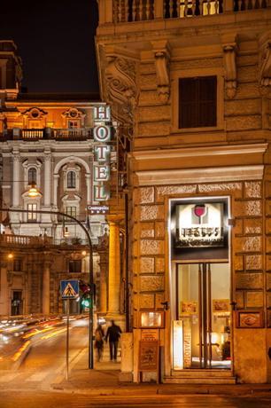Photo 3 - Cosmopolita Hotel