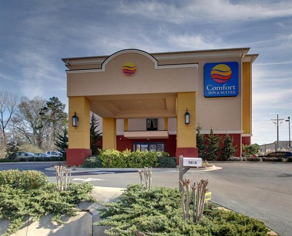 Photo 1 - Comfort Inn & Suites Clinton (Mississippi)