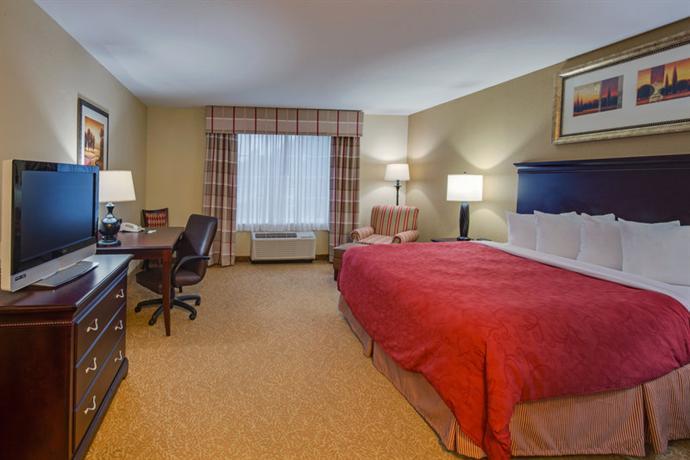 Photo 2 - Country Inn Suites Pensacola W