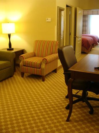 Photo 3 - Country Inn & Suites - Wilmington Airport Convention Center