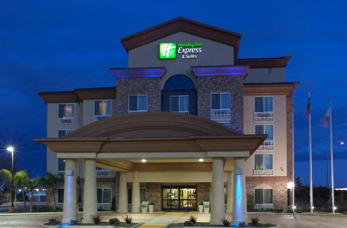Photo 1 - Holiday Inn Express Hotel & Suites Fresno South
