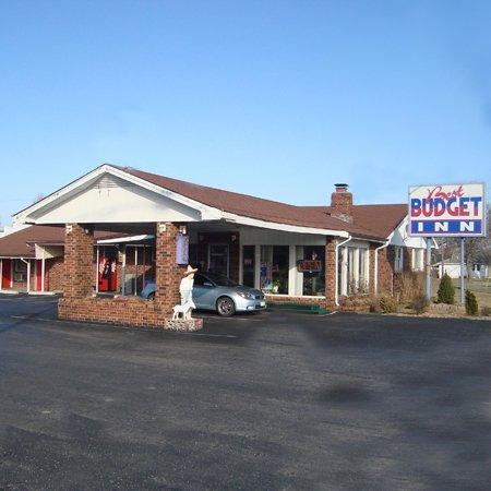Photo 1 - Best Budget Inn Springfield