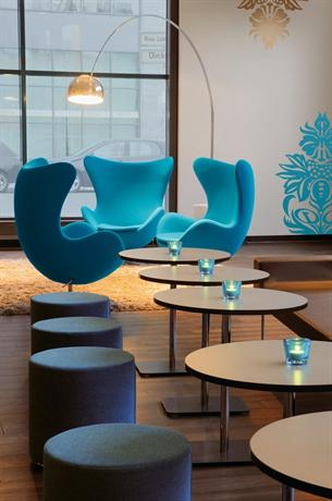 Photo 1 - Motel One Berlin Alexanderplatz