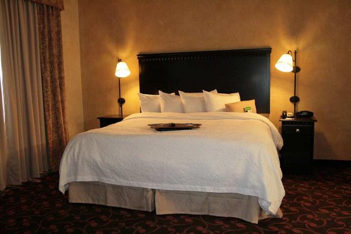 Photo 1 - Hampton Inn & Suites Dallas-Arlington North