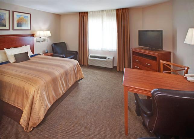 Photo 3 - Candlewood Suites Bellevue