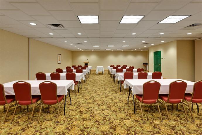 Photo 3 - Country Inn & Suites Harrisburg-Union Deposit
