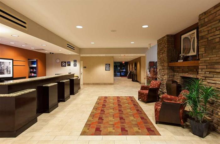 Photo 2 - Hampton Inn & Suites Phoenix Chandler Fashion Center