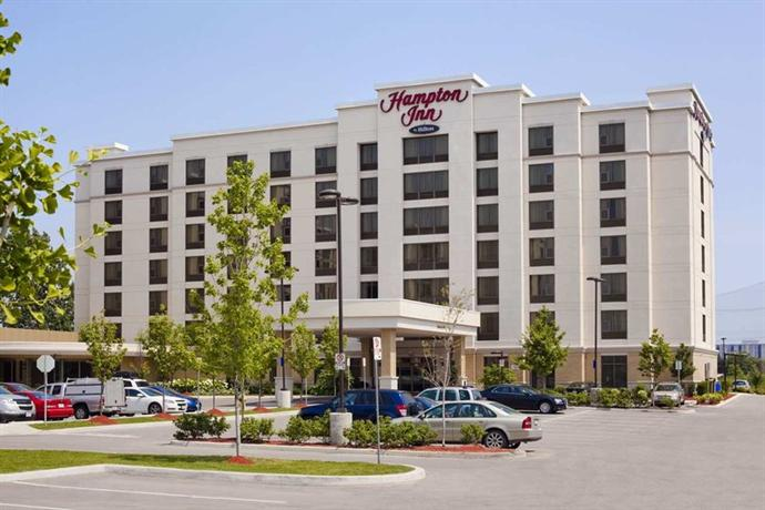 Photo 3 - Hampton Inn by Hilton Toronto Airport Corporate Centre