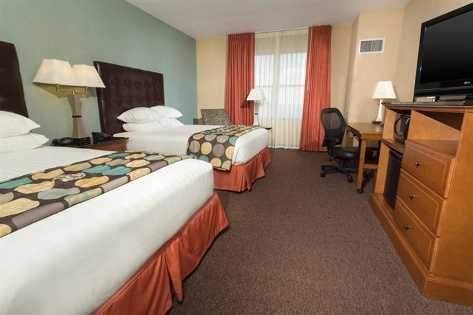 Photo 2 - Drury Plaza Hotel San Antonio North