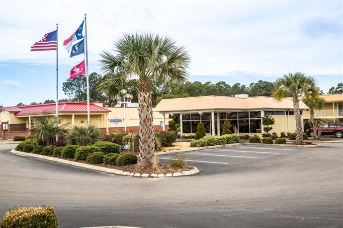 Photo 1 - Econo Lodge Inn & Suites Wilmington