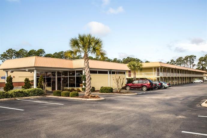 Photo 2 - Econo Lodge Inn & Suites Wilmington