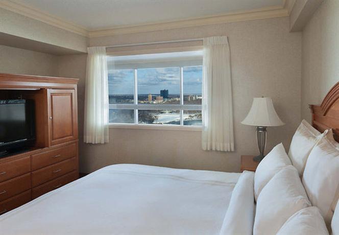 Photo 3 - Marriott Niagara Falls Gateway on the Falls Hotel