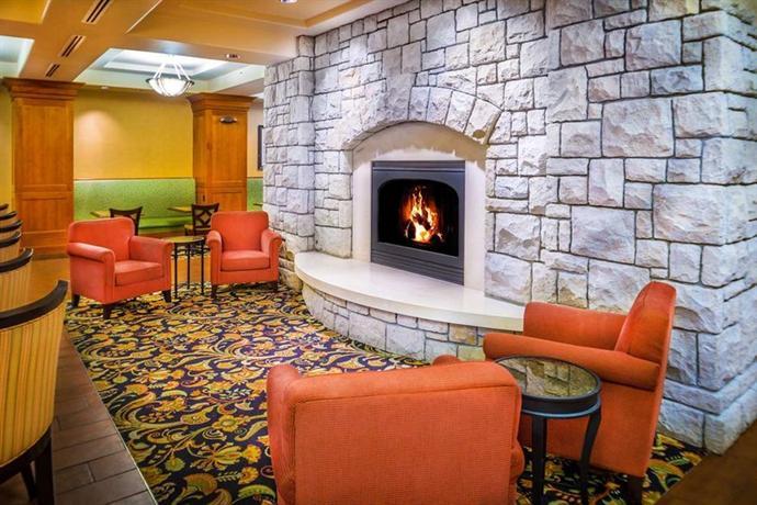 Photo 2 - Hampton Inn & Suites Spectrum Boise