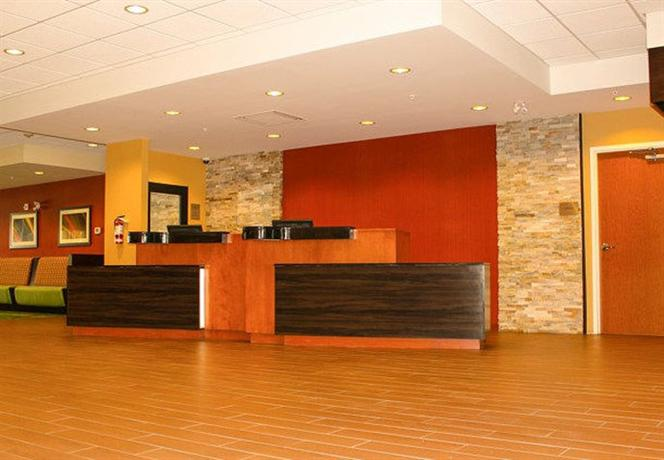 Photo 2 - Fairfield Inn & Suites Toronto Mississauga