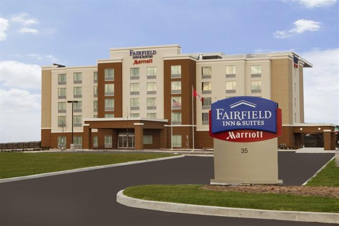 Photo 3 - Fairfield Inn & Suites Toronto Mississauga
