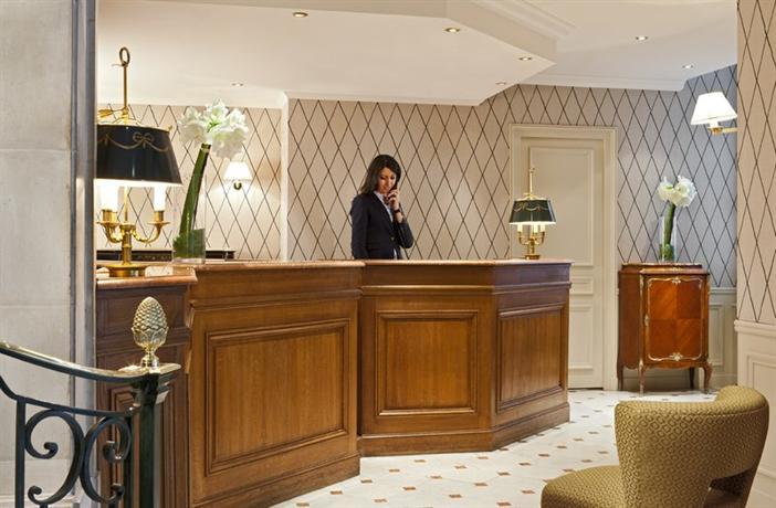 Photo 3 - Powers Hotel