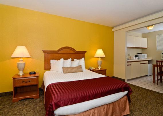 Photo 3 - Quality Inn & Suites Sacramento