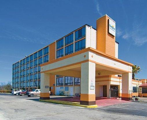 Photo 1 - Budget Lodge San Antonio