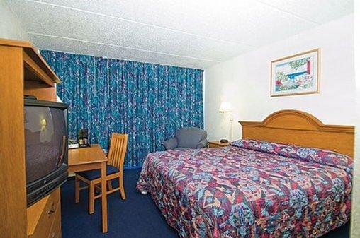 Photo 3 - Budget Lodge San Antonio
