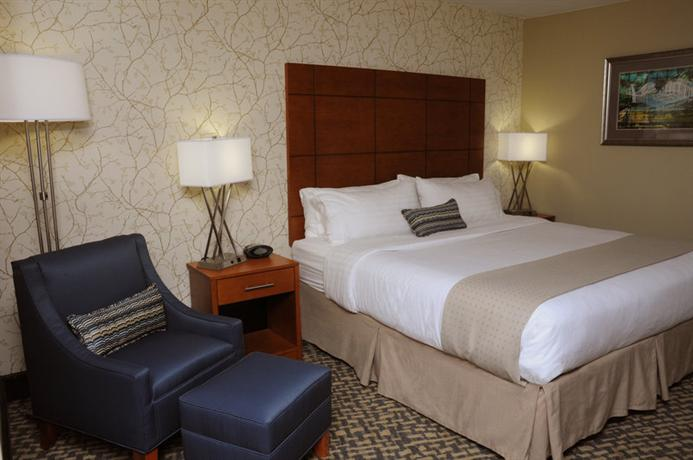 Photo 2 - Holiday Inn Raleigh Dowtown - Capital