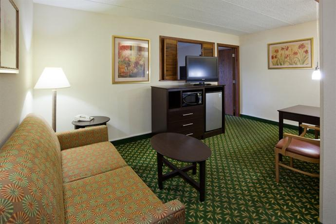 Photo 1 - AmericInn Hotel & Suites Bloomington West