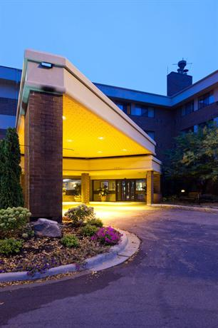 Photo 3 - AmericInn Hotel & Suites Bloomington West