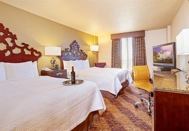 Photo 3 - Castle Hotel Orlando