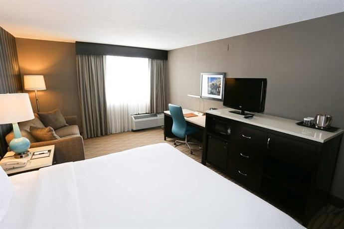 Photo 3 - Holiday Inn Cleveland -West