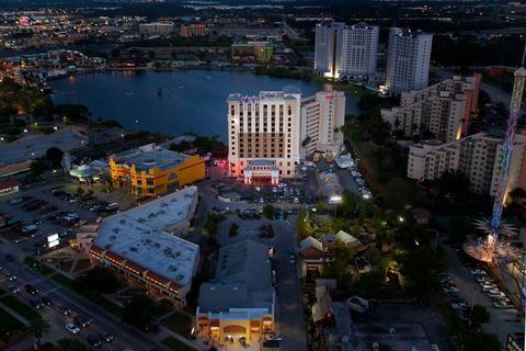Photo 2 - Ramada Plaza Resort & Suites International Drive Orlando