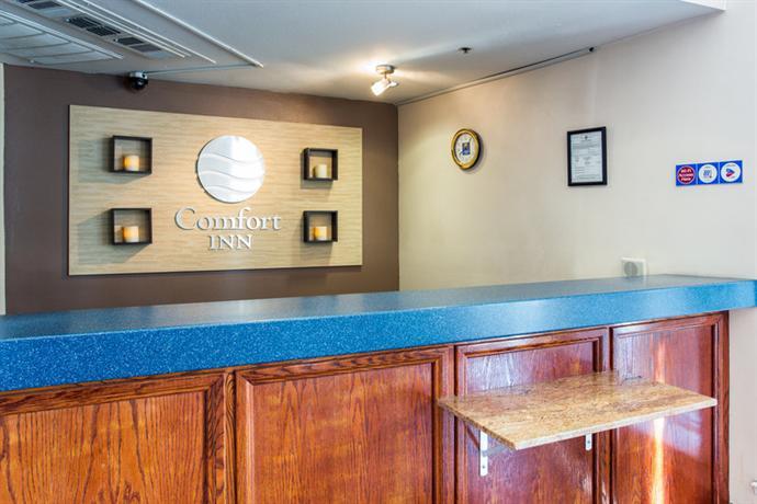 Photo 2 - Comfort Inn Fresno