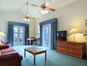 Photo 1 - Baymont Inn & Suites Wurzbach San Antonio