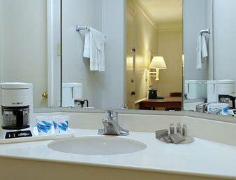 Photo 3 - Baymont Inn & Suites Wurzbach San Antonio