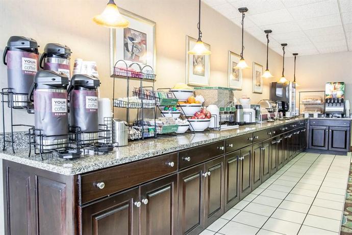 Photo 2 - Comfort Inn Downtown Memphis
