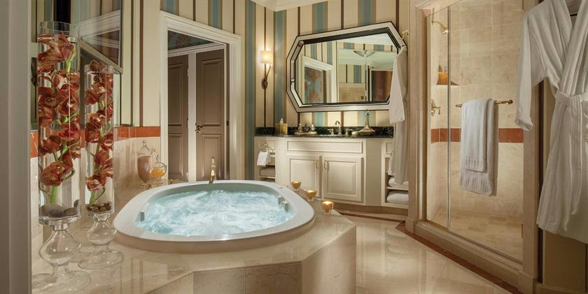 las z book vegas image hotels hot w room hotel with in tub new house information private featured
