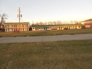 Photo 2 - Broadway Motel Des Moines