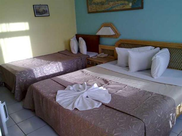 Photo 3 - Gaddis Hotel Suites and Apartments