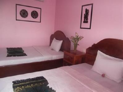 Photo 3 - Battambang Lotus Hotel