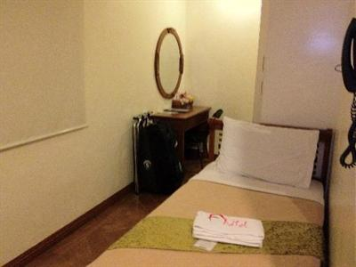 Room photo 11 from hotel Avitel Hotel Makati City