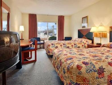 Photo 3 - Days Inn Sandusky - Cedar Point / Mall Central
