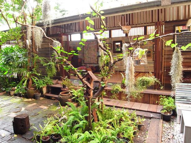Photo 3 - Phra-Nakorn Norn-Len Hotel