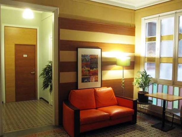 Photo 3 - Barcelona Rooms