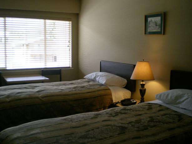 Photo 3 - Squamish Budget Inn
