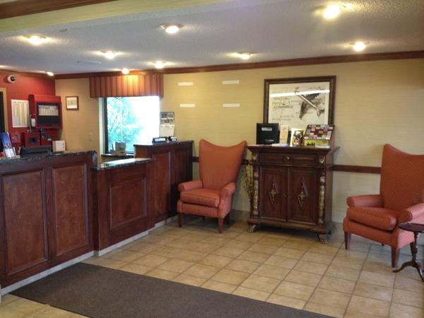 Photo 2 - Americas Best Value Inn - Columbus Airport