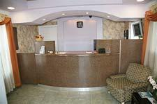 Photo 2 - Ambassador Inn & Suites Fresno (California)