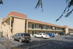 Photo 3 - Ambassador Inn & Suites Fresno (California)